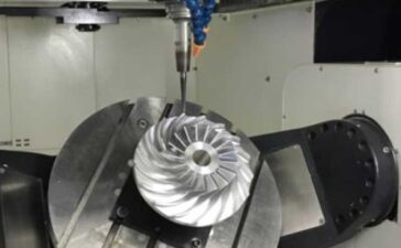 The-characteristics-of-flexible-sanding-grinding-compared-with-large-scale-gantry-grinding-and-grinding