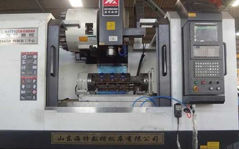 What are the variations of gantry milling machines to adapt to different processing objects