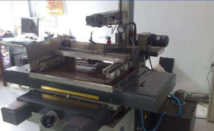 Wire Cutting Machine Operation Method